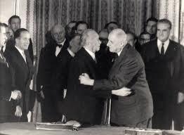 0a1aaaaaadenauer3 Adenauer - Allemagne - Europe - Nazisme - Guerre dans Honneur